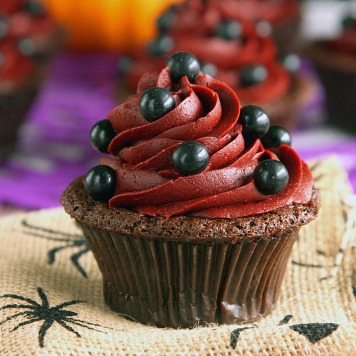 Devils-Food-Cupcakes-with-Red-Velvet-Frosting-11