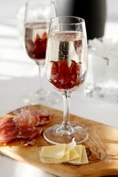 Wild-Hibiscus-Prosecco-Cocktail