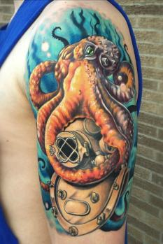octopus-tattoo-helmet